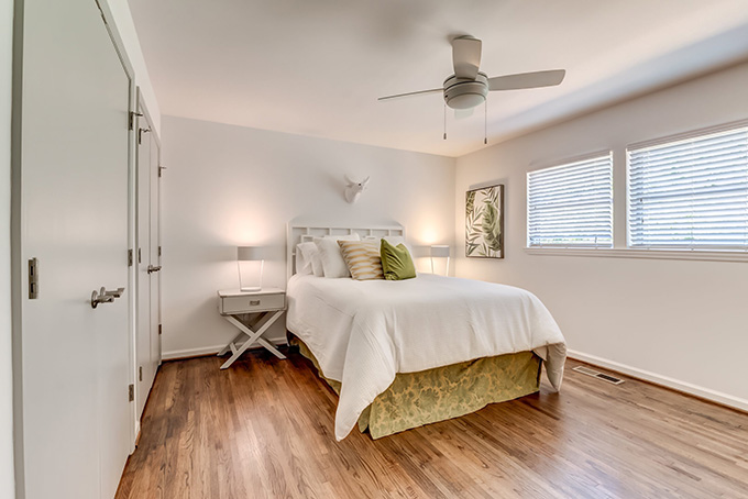 V Apartments bedroom